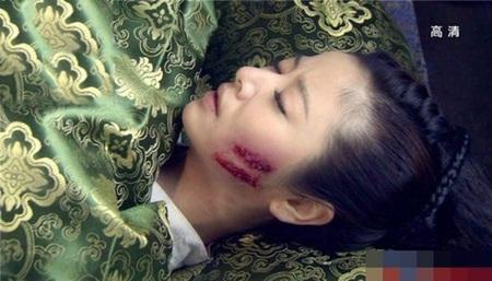 1001 kiểu hủy dung trong phim Hoa ngữ: Người đau đớn đáng thương, kẻ hài hước, gây cười - Ảnh 4