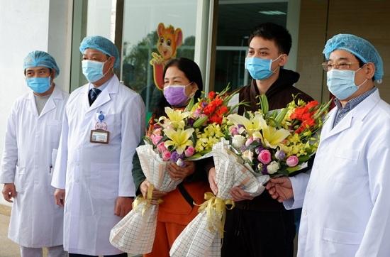 Thêm 2 bệnh nhân nhiễm Covid -19 được công bố khỏi bệnh - Ảnh 1