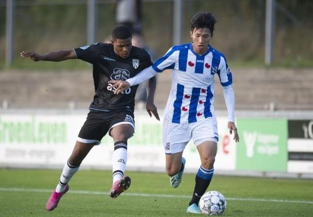 HLV Heerenveen hứa cho cầu thủ trẻ thi đấu, cơ hội nào cho Đoàn Văn Hậu? - Ảnh 1