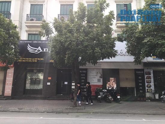 """""""Phố Hàn Quốc"""" giữa lòng Hà Nội vắng vẻ trong mùa dịch Covid-19 - Ảnh 1"""