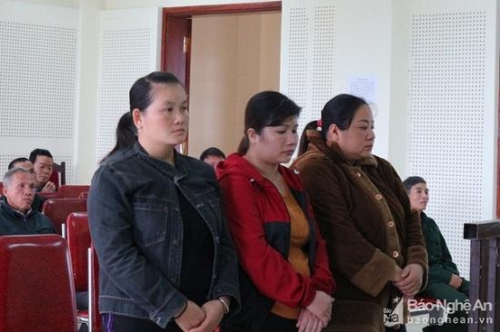 """Xét xử nhóm """"nữ quái"""" nhẫn tâm bán phụ nữ đang mang thai sang Trung Quốc làm vợ - Ảnh 1"""