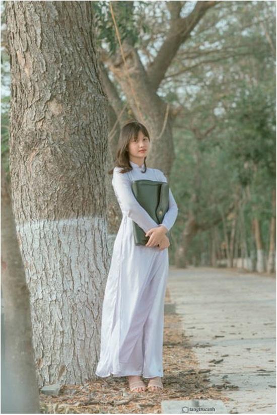 Bộ ảnh đậm chất thập niên 80 của nữ sinh An Giang gây sốt mạng xã hội - Ảnh 1