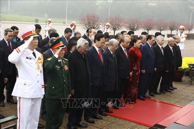 Lãnh đạo Đảng, Nhà nước vào Lăng viếng Chủ tịch Hồ Chí Minh - Ảnh 5