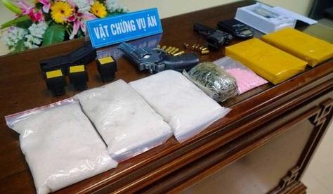 Nam Định: Triệt phá ổ ma túy lớn, thu giữ nhiều súng ống đạn dược - Ảnh 1
