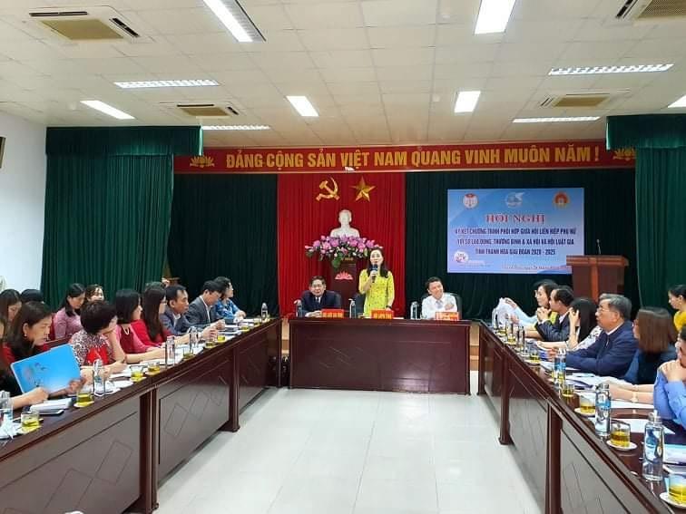 Ký kết chương trình phối hợp công tác giữa hội Luật gia và hội Liên hiệp phụ nữ tỉnh Thanh Hóa - Ảnh 1