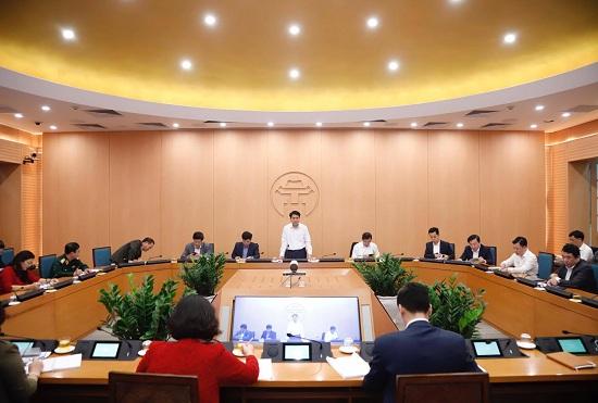 Cách ly 140 người tiếp xúc với 2 ca dương tính SARS-CoV-2 ở Hà Nội - Ảnh 1