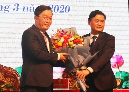 Ông Nguyễn Đức Trung được bầu giữ chức Chủ tịch UBND tỉnh Nghệ An - Ảnh 1