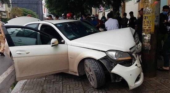 Tin tai nạn giao thông mới nhất ngày 19/3/2020: Phát hiện tài xế và 2 phụ nữ trên ô tô dương tính với ma túy - Ảnh 1