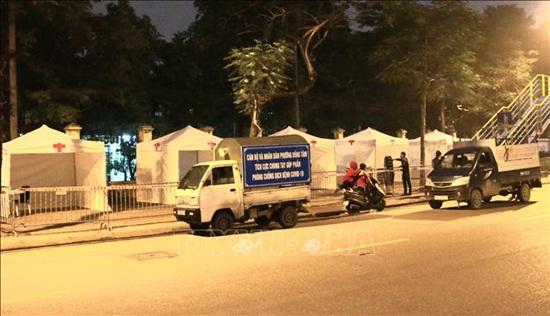 Cận cảnh trạm xét nghiệm nhanh Covid-19 ngoài cộng đồng tại Hà Nội - Ảnh 5