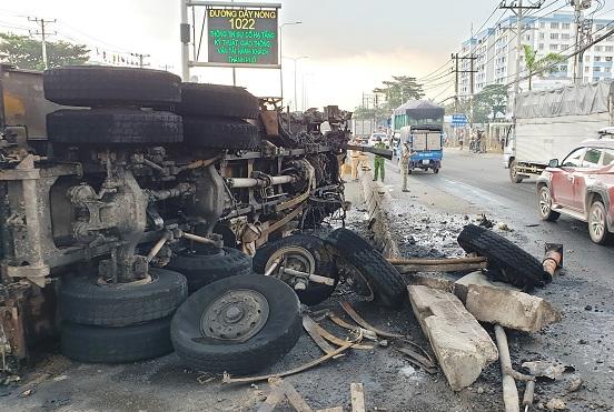 Tin tai nạn giao thông mới nhất ngày 11/4/2020: 3 người đi tập thể dục, bị xe tải tông thương vong - Ảnh 2