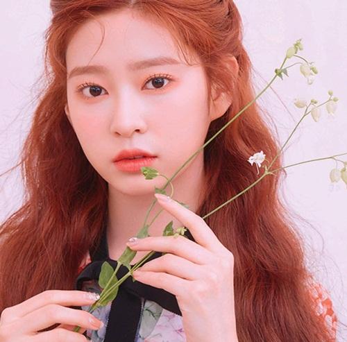 So kè visual 2 nữ idol Kpop tân binh được coi là biểu tượng nhan sắc thế hệ mới - Ảnh 1