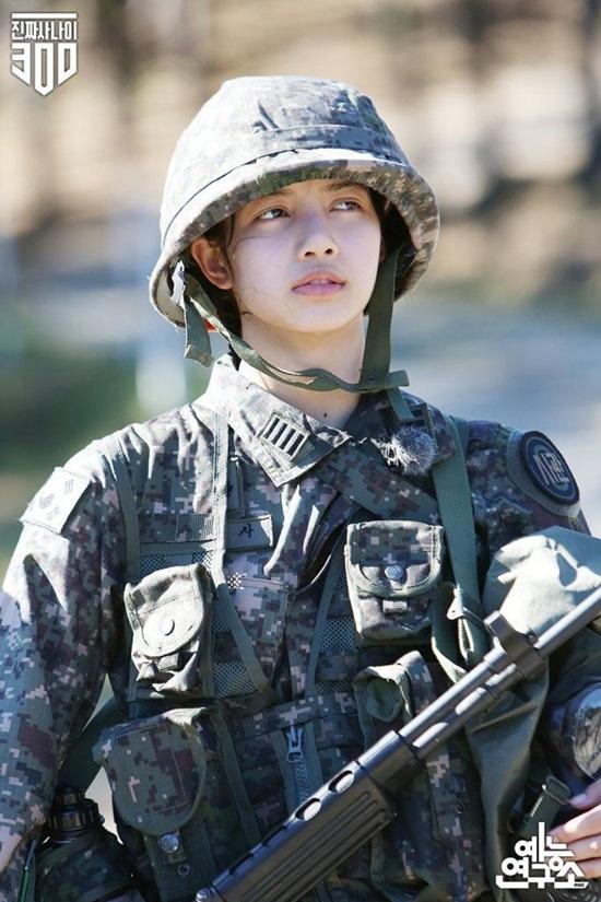 Đọ mặt mộc của những idol Kpop trong show thực tế: Người chuẩn nữ thần, người khác lạ khó nhận ra - Ảnh 6