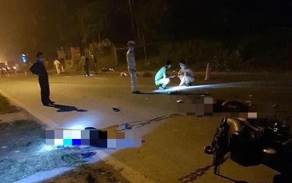 """Tin tai nạn giao thông mới nhất ngày 13/4/2020:  Hai xe máy """"đấu đầu"""" trong đêm, 3 người tử vong thương tâm - Ảnh 1"""