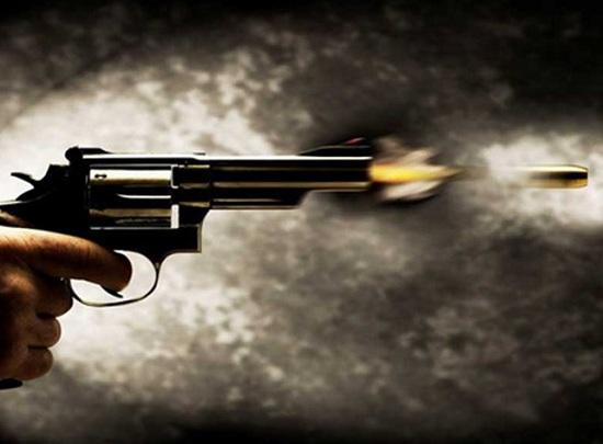 Hát karaoke bị nhắc nhở, nam thanh niên dùng súng tự chế bắn chỉ thiên dọa người khác - Ảnh 1