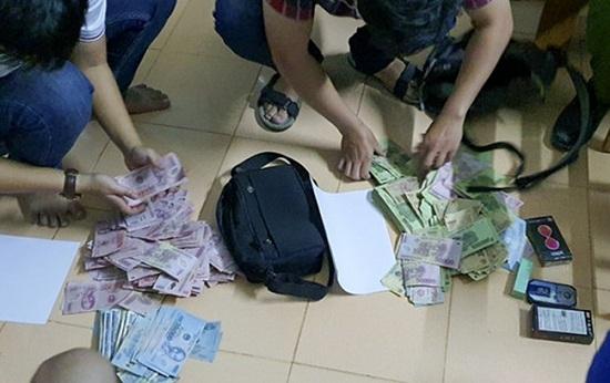 Vụ cướp ngân hàng Vietcombank ở Quảng Nam: Hé lộ lời khai nghi can - Ảnh 1