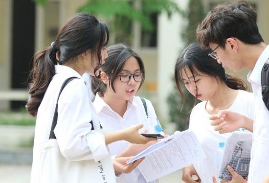 Nhiều trường đại học tuyển sinh riêng sẽ có bài thi, bài luận mẫu - Ảnh 1