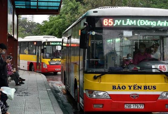 Xe buýt Hà Nội hoạt động bình thường trở lại từ 4/5, hành khách phải ngồi giãn cách - Ảnh 1