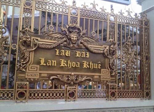 """Choáng ngợp với độ xa hoa tại lâu đài """"Lan Khoa Khuê"""" mang phong cách Hy Lạp của đại gia Nam Định - Ảnh 1"""