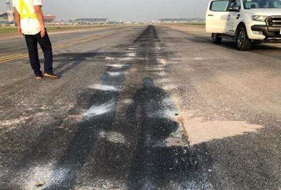 """""""Giải cứu"""" khẩn cấp đường băng 2 sân bay lớn nhất nước theo hình thức giao thầu - Ảnh 1"""