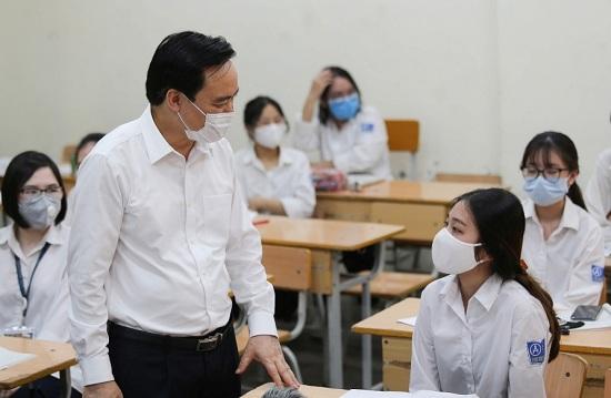 Bộ trưởng Phùng Xuân Nhạ: Linh hoạt giãn cách lớp, có thể lùi một số nội dung sang năm học sau - Ảnh 1