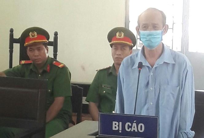 Mãn hạn tù với tội hiếp dâm, ông lão U70 tiếp tục hầu tòa vì dâm ô trẻ em - Ảnh 1