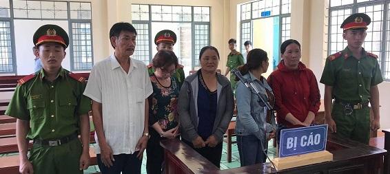 Xét xử sơ thẩm vụ đánh bạc bằng lô đề quy mô lớn ở Gia Lai: Viện kiểm sát sẽ kháng nghị vì đề nghị phạt tù nhưng Tòa án chỉ phạt tiền! - Ảnh 1