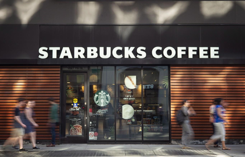 Starbucks, Pepsi dừng chạy quảng cáo trên Facebook, làn sóng tẩy chay đang lan rộng - Ảnh 1