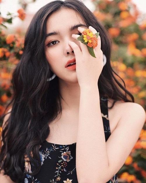 """Dàn hot girl lai Việt vừa """"lên sóng"""" đã """"phá đảo"""" mạng xã hội: Người """"ngậm thìa bạc"""", người được khen giống Baifern Pimchanok - Ảnh 2"""