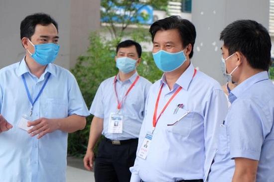 Thứ trưởng bộ GD-ĐT Nguyễn Hữu Độ: Giáo viên cần tôn trọng lý lẽ của thí sinh khi chấm thi tốt nghiệp - Ảnh 1