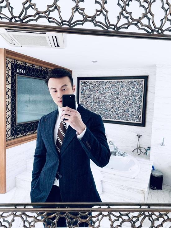 """Chân dung thiếu gia Việt sở hữu 5 công ty, quan hệ """"đặc biệt"""" với người nổi tiếng những vẫn """"lẻ bóng"""" ở tuổi 37 - Ảnh 4"""