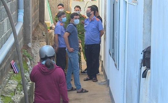Đắk Lắk: Hai vợ chồng tử vong trong tử thế treo cổ tại căn phòng trọ khóa kín - Ảnh 1