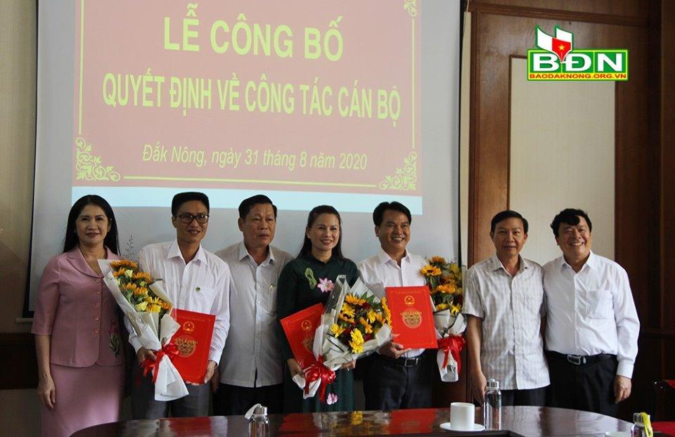 UBND tỉnh Đắk Nông công bố quyết định bổ nhiệm 2 Giám đốc Sở - Ảnh 1