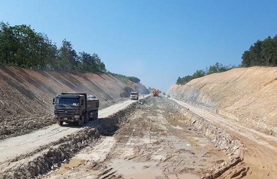 Danh tính các nhà thầu trúng 3 gói thầu đầu tiên của 3 dự án cao tốc Bắc Nam - Ảnh 1