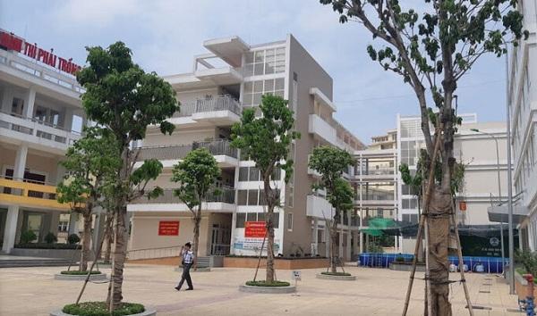 Cách ly tập trung 36 học sinh và giáo viên liên quan ca COVID-19 mới ở Hà Nội - Ảnh 1