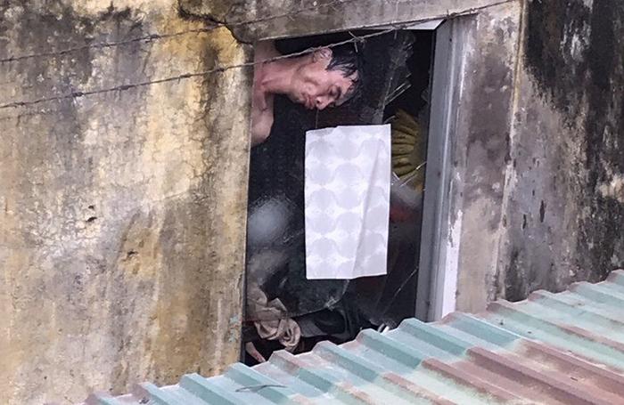 Tin tức thời sự mới nhất hôm nay 18/3: Xe chở quan tài bốc cháy ngùn ngụt giữa phố - Ảnh 2