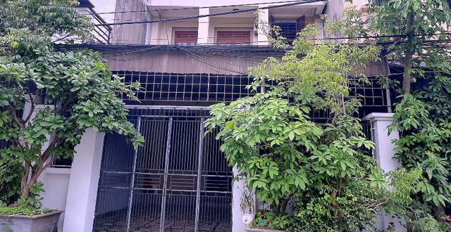 Vụ người phụ nữ bị tạt chất lỏng nghi là axit ở Nghệ An: Nghi phạm có tình cảm với chồng nạn nhân - Ảnh 1