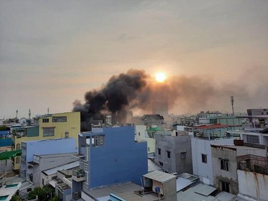 Cận cảnh hiện trường vụ cháy nhà ở TP.HCM làm 8 người tử vong - Ảnh 2