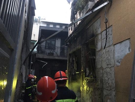Cận cảnh hiện trường vụ cháy nhà ở TP.HCM làm 8 người tử vong - Ảnh 4