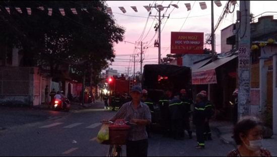 Cận cảnh hiện trường vụ cháy nhà ở TP.HCM làm 8 người tử vong - Ảnh 5
