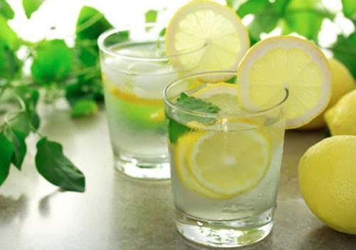 Những sai lầm cơ bản khi uống nước chanh vào buổi sáng ai cũng cần phải biết - Ảnh 1