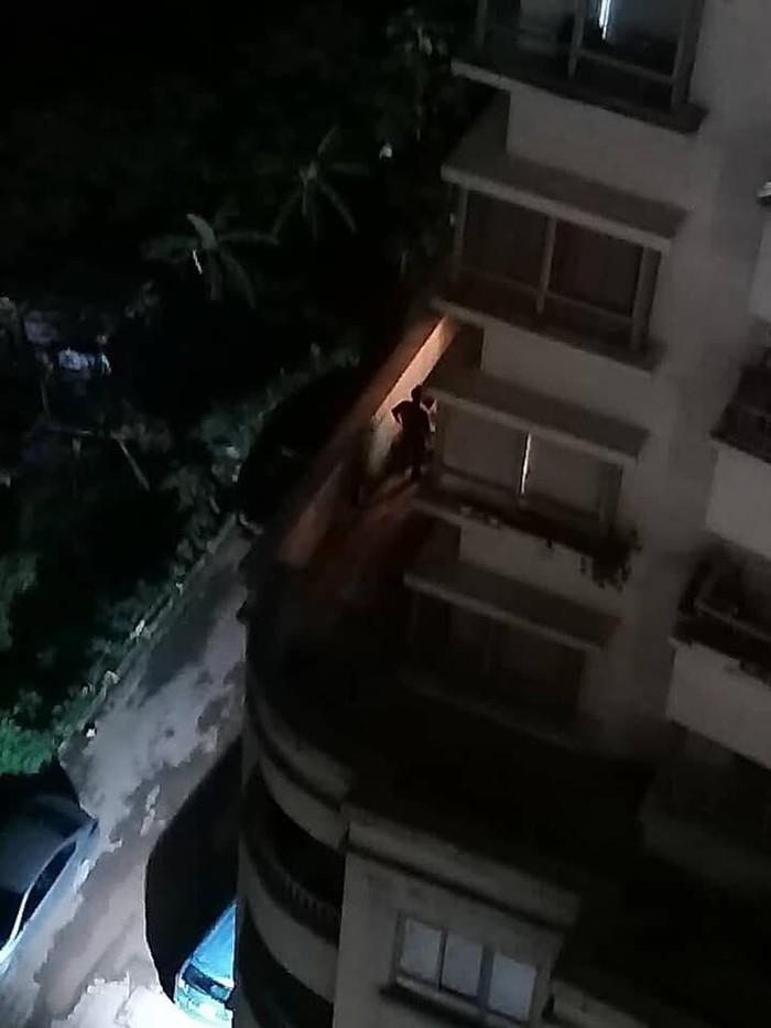 Trèo ban công sang phòng cháu, bà nội rơi từ tầng 16 xuống tử vong - Ảnh 1