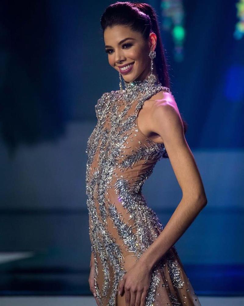 Hoa hậu Venezuela 2019 bị chê già, kém xinh ngay sau khi vừa đăng quang - Ảnh 3