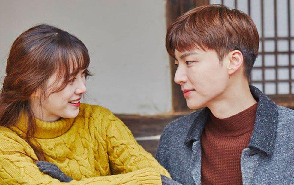 """Ahn Jae Hyun lộ hình ảnh đi ăn cùng gái lạ dù vướng nghi vấn """"cắm sừng"""" Goo Hye Sun - Ảnh 3"""