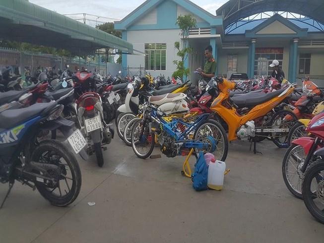 Hậu Giang: 140 thanh niên tổ chức đua xe trái phép bị bắt giữ - Ảnh 2