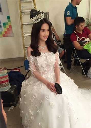Ngọc Trinh diện váy cưới đẹp lộng lẫy gây bất ngờ - Ảnh 10