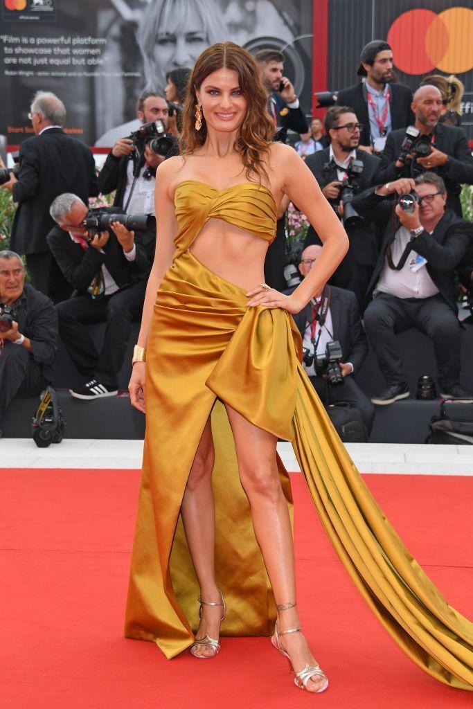 """Dàn chân dài Victoria's Secret """"đốt nóng"""" thảm đỏ Liên hoan phim Venice - Ảnh 9"""