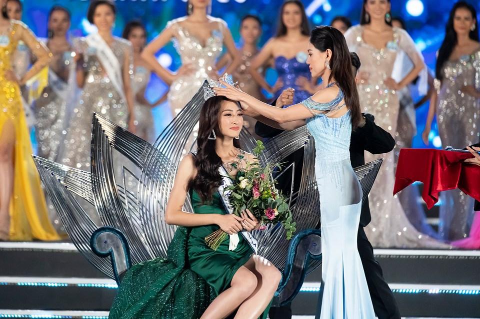 Điểm danh 9 hoa hậu xinh đẹp, giỏi giang xuất thân từ Đại học Ngoại Thương - Ảnh 9