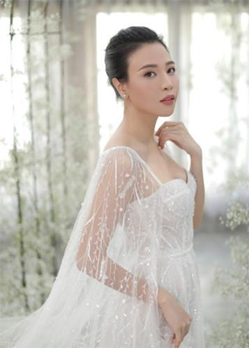 Sau đám cưới, Đàm Thu Trang bất ngờ hé lộ về chiếc váy đặc biệt trong hôn lễ - Ảnh 3