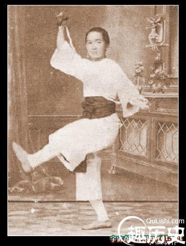 Bất ngờ về nhan sắc thật của 'dì mười ba' - vợ thứ 4 Hoàng Phi Hồng - Ảnh 2