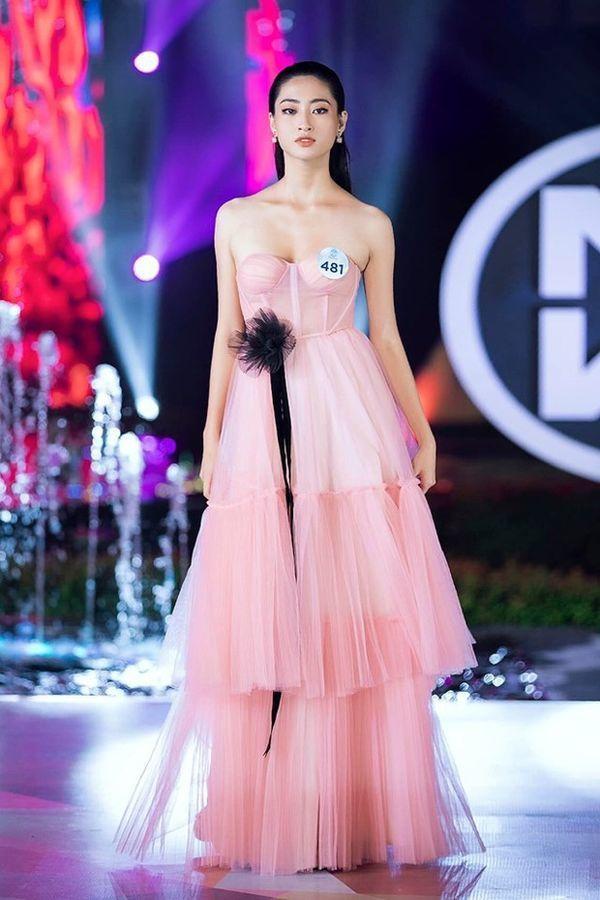 Hoa hậu Lương Thùy Linh không chỉ 'tài sắc vẹn toàn' mà nét chữ cũng khiến nhiều người mê - Ảnh 2